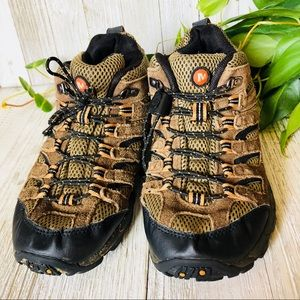 Merrell • Hiking Sneakers